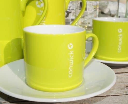 Tassen mit dem Firmenlogo von Conwick