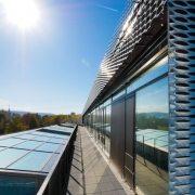 Beispiel für ein Low-Tech-Gebäude: IHK-Bildungszentrum Aalen mit Bauherrenunterstützer Conwick