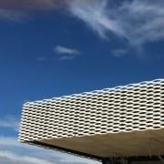 Low-Tech-Gebäude – IHK-Bildungszentrum Aalen mit Bauherrenunterstützung Conwick